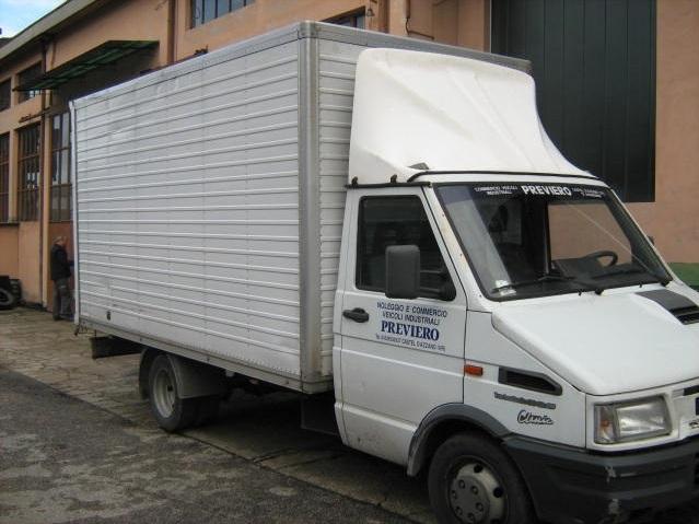 noleggio-furgone-centinato-verona-11